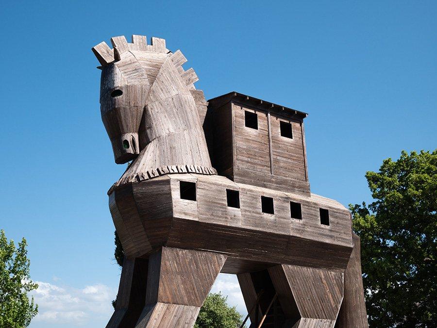 il piggybacking può essere considerato quasi come un cavallo di Troia